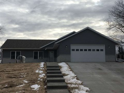 Photo of 413 Dalogasa Dr, Arena, WI 53503