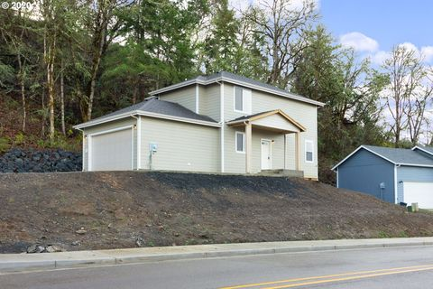 Photo of 734 S Side Rd, Sutherlin, OR 97479