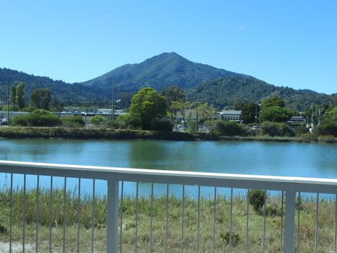 Photo of 100 Lucky Dr Apt 108, Corte Madera, CA 94925