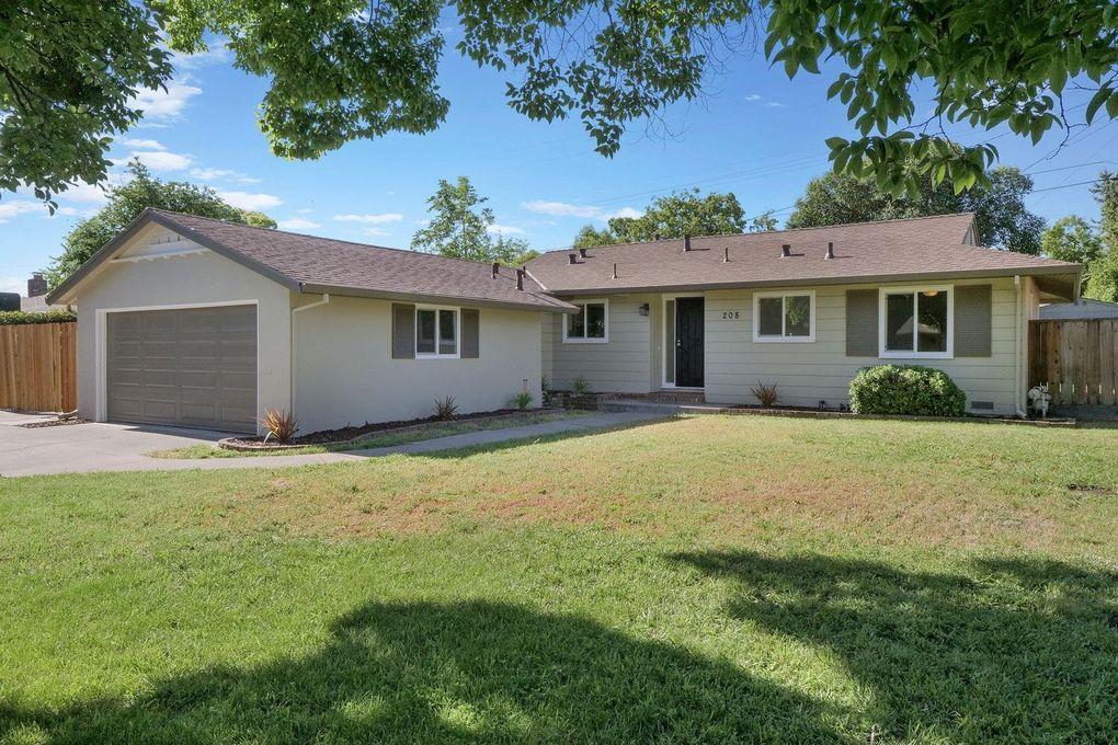 208 E LA Mesa Ave Stockton, CA 95207