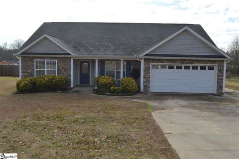 Photo of 863 Grand Canyon Rd, Inman, SC 29349