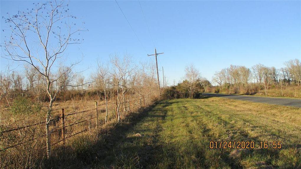 394 County Road 1180 Liberty, TX 77575
