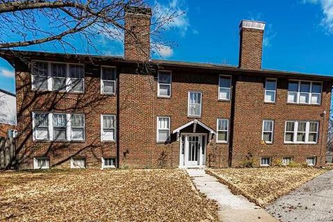 Photo of 6823 Crest Ave Apt 2 E, Saint Louis, MO 63130