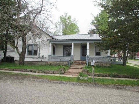 283 Clay St, Montello, WI 53949