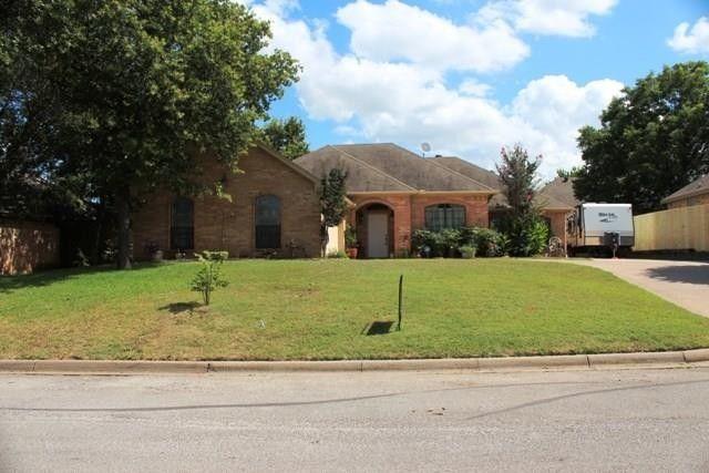 106 Brianne St Joshua, TX 76058