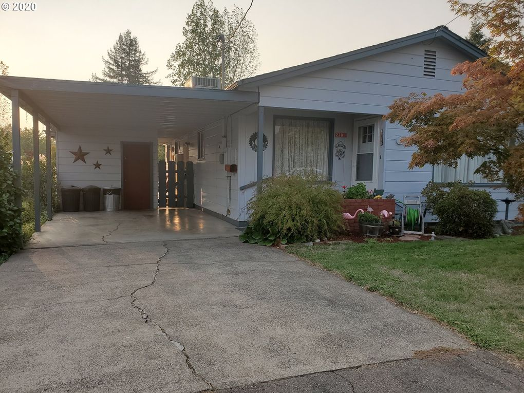 270 NW Cary St Winston, OR 97496