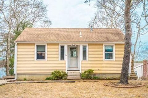 Photo of 30 Lakeview Rd Unit 1, Plymouth, MA 02360