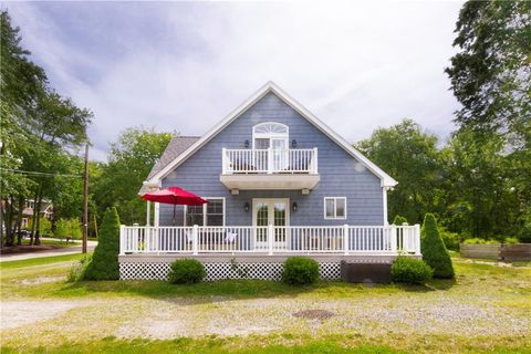 Photo of 23 Catamaran St, Jamestown, RI 02835