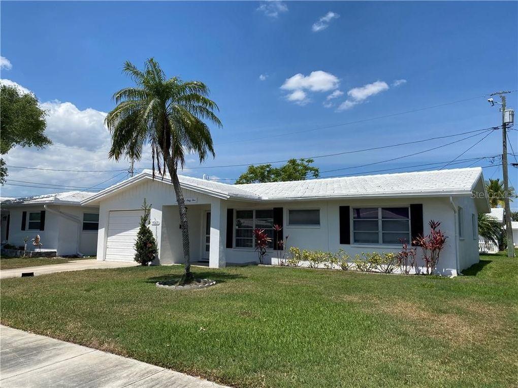 4365 94th Ave N Unit 1 Pinellas Park, FL 33782