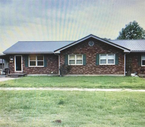 Photo of 705 S Main St, Chaffee, MO 63740