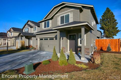 Photo of 21194 Darnel Ave, Bend, OR 97702