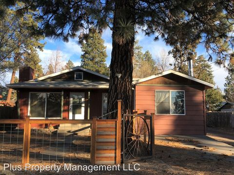 Photo of 1932 Ne 6th St, Bend, OR 97701