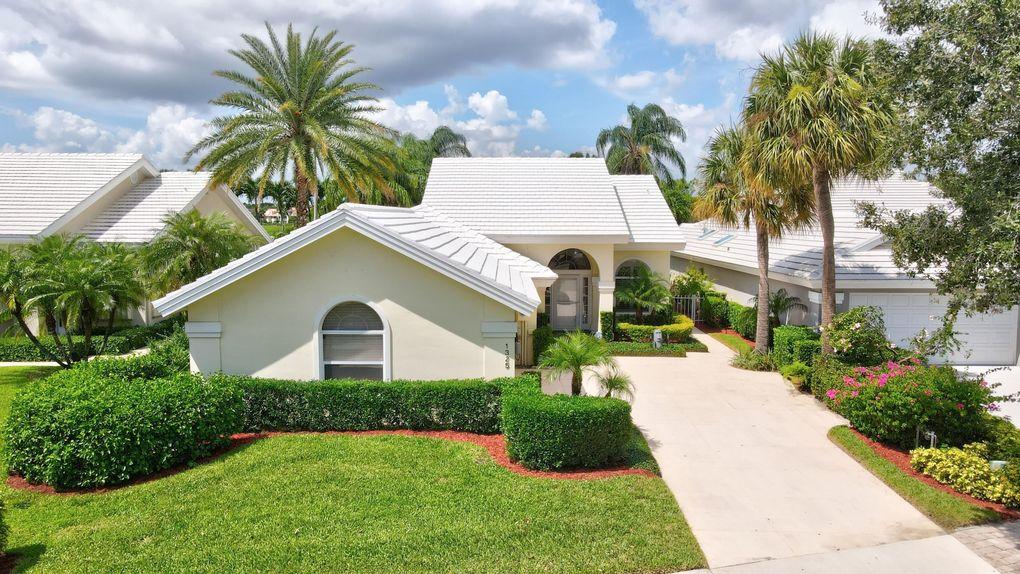 1325 Bear Island Dr West Palm Beach, FL 33409