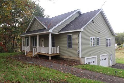 Photo of 215 Packers Falls Rd, Durham, NH 03824