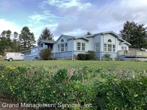 Photo of 90917 Wilshire Ln, Coos Bay, OR 97420