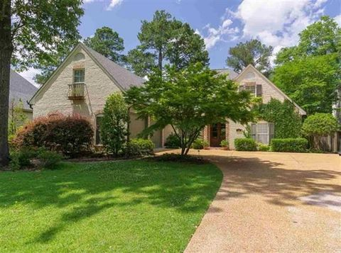 Photo of 1310 Fontaine Dr, Jackson, MS 39211