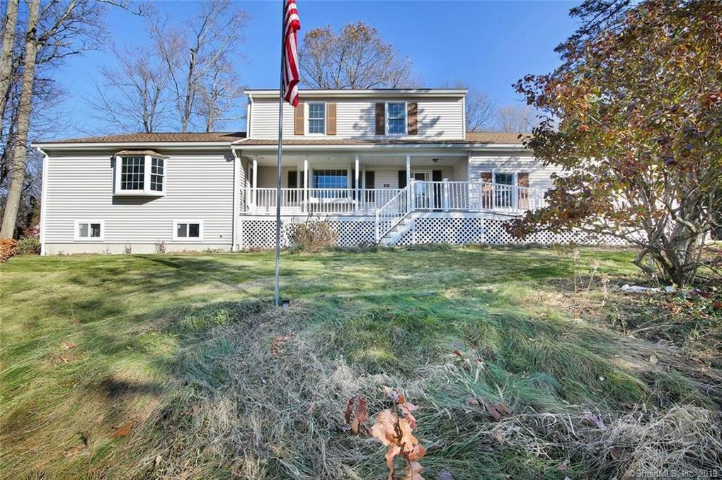 10 Willow St Oxford, CT 06478