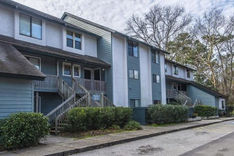 Photo of 1151 Shadow Lake Cir Apt A, Mount Pleasant, SC 29464