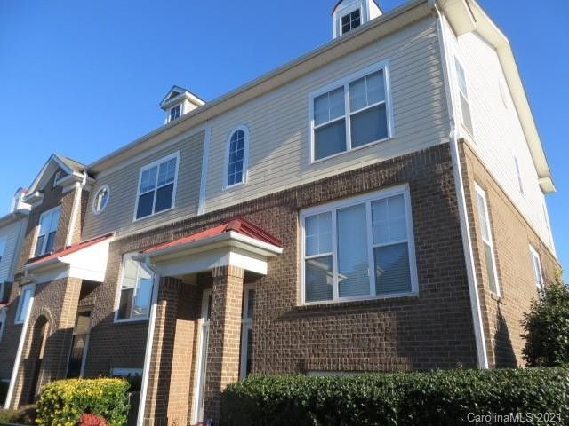 8324 Scotney Bluff Ave Charlotte, NC 28273