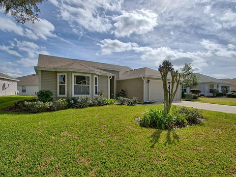 Photo of 1289 Deerfield Ln, The Villages, FL 32162