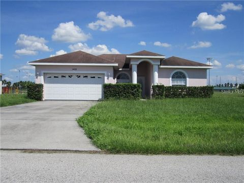 Photo of 1428 Bluff Loop, Dundee, FL 33838