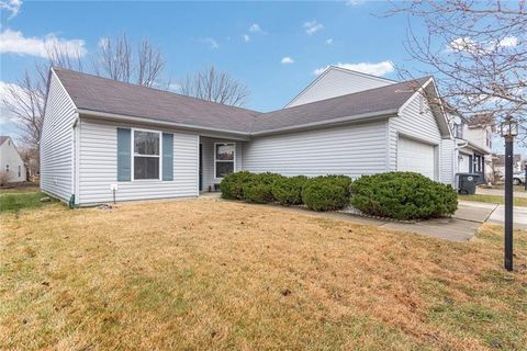 Photo of 10414 Kensil St, Indianapolis, IN 46236