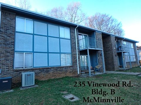 Photo of 235 Vinewood Rd Unit B, McMinnville, TN 37110