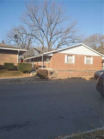 Photo of 211 N Tompkins St, Shelbyville, IN 46176