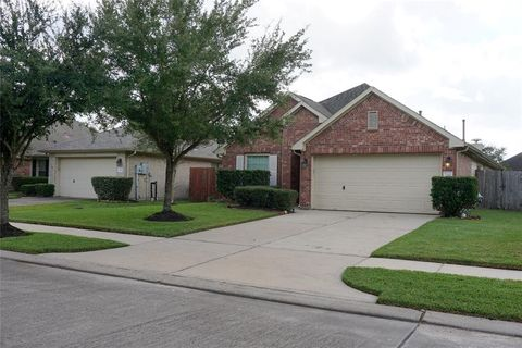 Photo of 3281 Gladewater Ln, League City, TX 77573