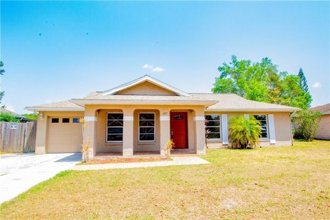 Photo of 125 Delaware Woods Ct, Orlando, FL 32824