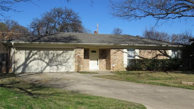 7705 Briarcliff Ct North Richland Hills, TX 76182