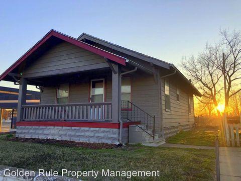 Photo of 407 N Maple St, Hutchinson, KS 67501