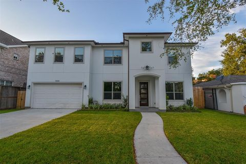 Photo of 5006 Mayfair St, Bellaire, TX 77401