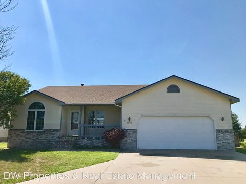Photo of 2803 N Country Acres Ct, Dodge City, KS 67801