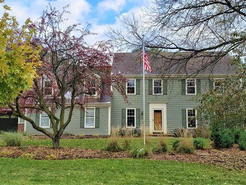 Photo of 248 Fieldstone Rd, Delafield, WI 53018