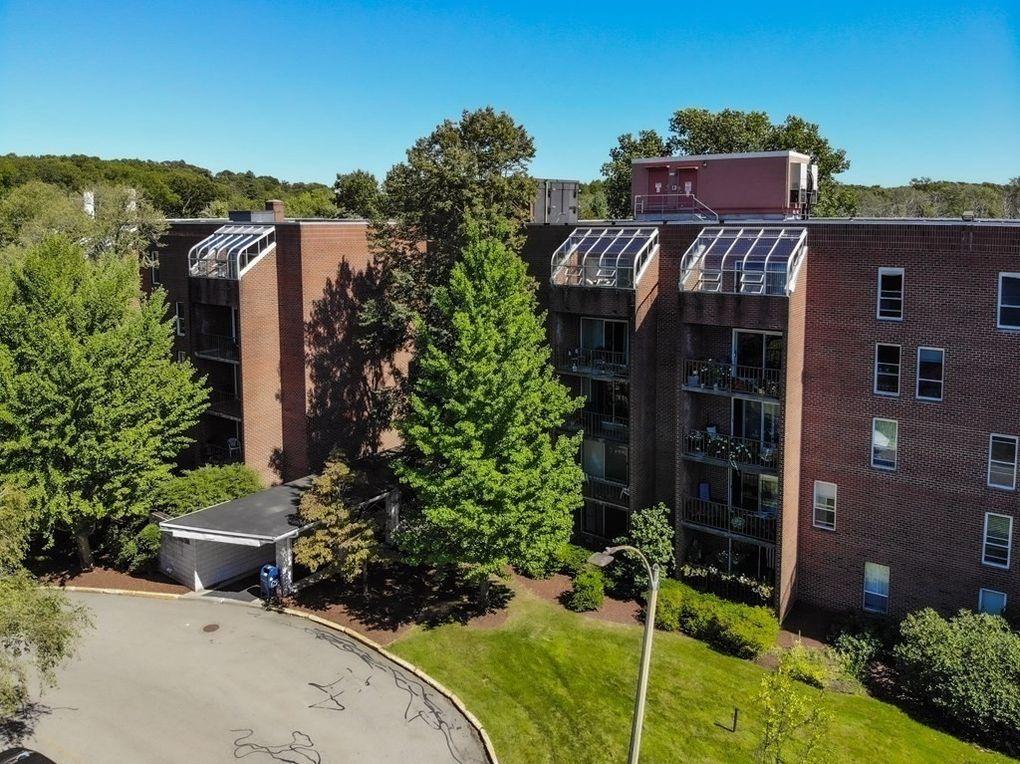 50-56 Broadlawn Park Unit 305 Boston, MA 02132