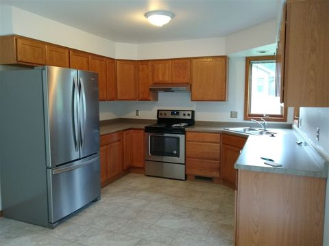 Photo of 2665 Aberdeen Ct, Fitchburg, WI 53711