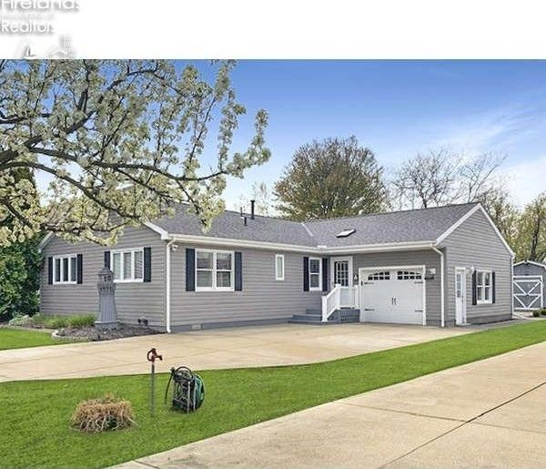 2300 S Commodore Ct Marblehead, OH 43440