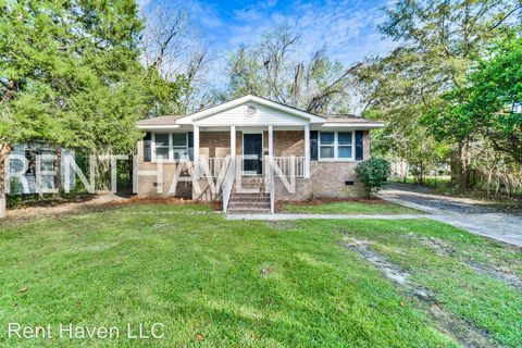 Photo of 712 Lyttleton St, Camden, SC 29020