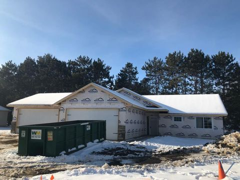 Photo of 1215 Creekwood Dr, New Richmond, WI 54017