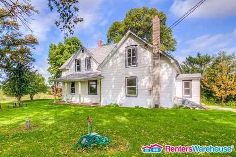 Photo of 35739 Oasis Rd, Lindstrom, MN 55045