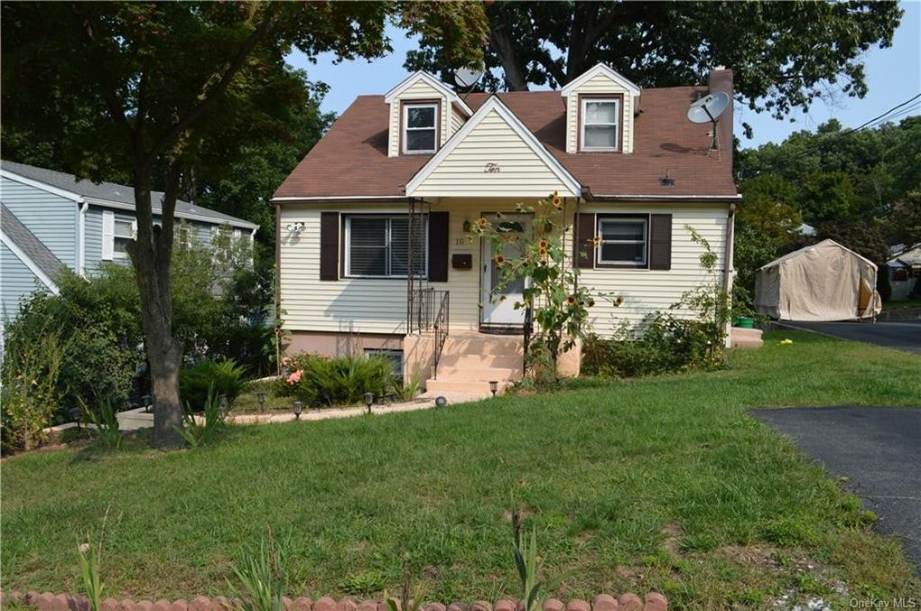 10 Fairview Pl Suffern, NY 10901