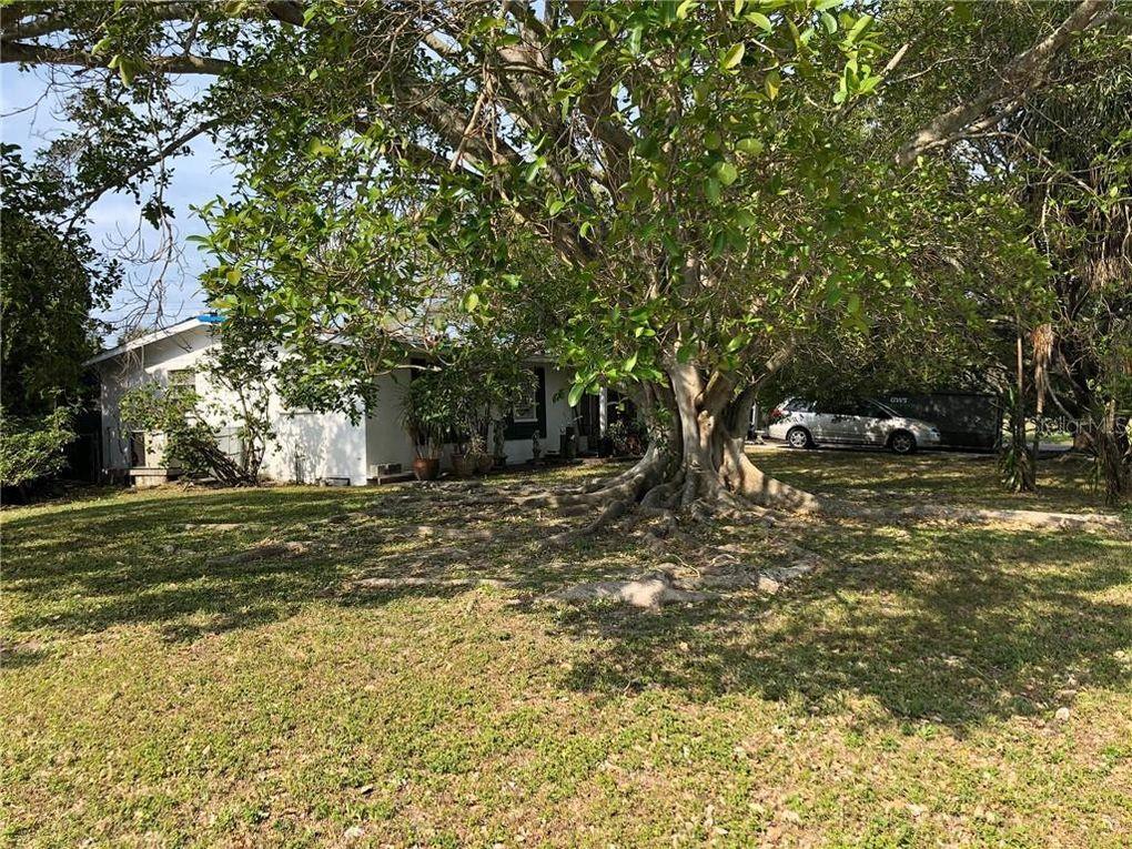 1850 Southwood St Sarasota, FL 34231