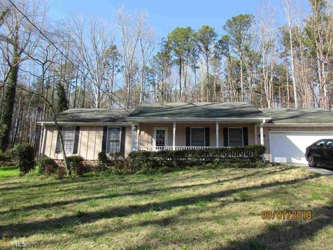 Photo of 5848 Navarre Ct, Stone Mountain, GA 30087