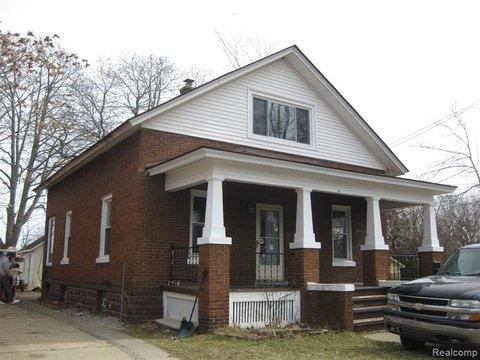 81 Avery St, Mount Clemens, MI 48043