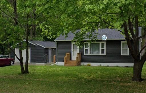 2233 Hillview Rd Mounds View, MN 55112