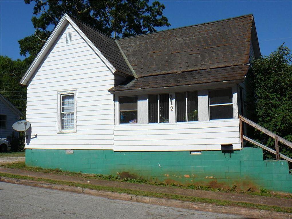1613 E Market St Anderson, SC 29624
