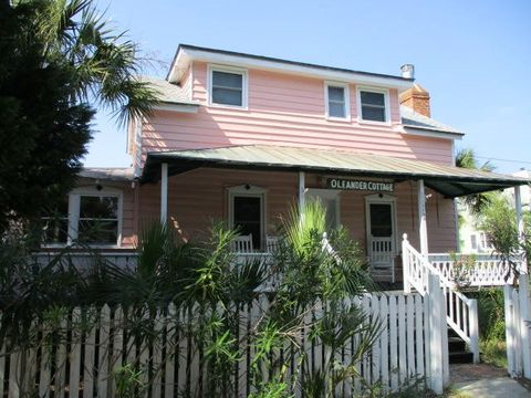 Photo of 2630 Middle St, Sullivans Island, SC 29482