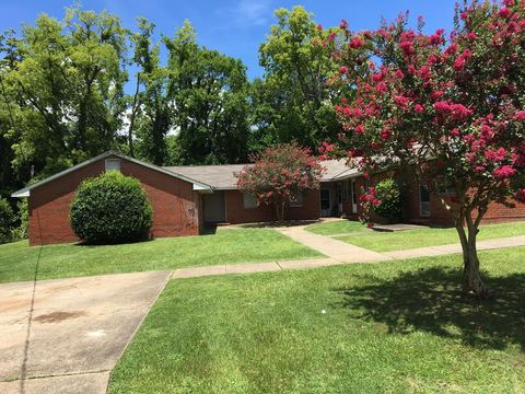 Photo of 2933 Thomas St Apt D, Columbus, GA 31906