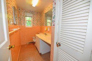7910 Shawnee Run Rd, Indian Hill, OH 45243 - Bathroom